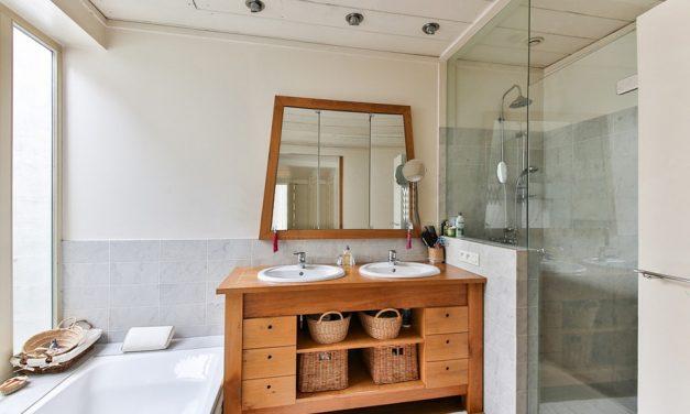 Hybryda wanny z prysznicem – jakie istnieją rozwiązania?