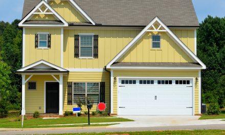 Garaż oraz brama garażowa – jak rozplanować i zrealizować