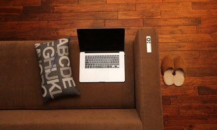 Jak dbać o urządzenia w domowym biurze – poradnik